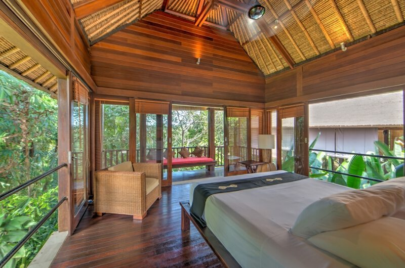 Bedroom and Balcony - Villa Vajra - Ubud, Bali