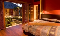 Bedroom with Wooden Floor - Villa Vajra - Ubud, Bali