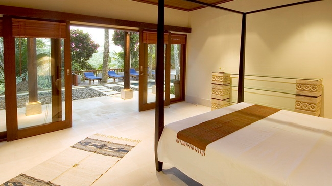 Bedroom with Outdoor View - Villa Vajra - Ubud, Bali