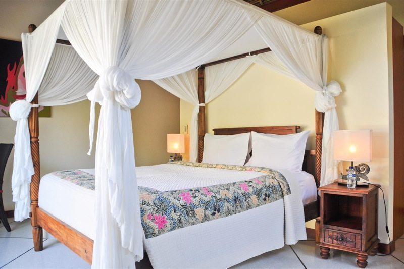 Four Poster Bed with Mosquito Net - Villa Vara - Seminyak, Bali