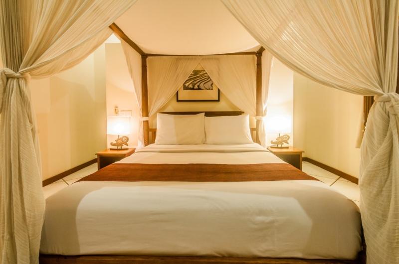 Four Poster Bed - Villa Vara - Seminyak, Bali
