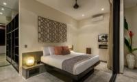 Bedroom with Table Lamps - Villa Waha - Canggu, Bali