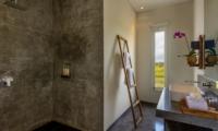 Bathroom with Shower - Villa Waha - Canggu, Bali
