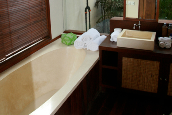 Bathroom with Bathtub - Villa Waringin - Pererenan, Bali