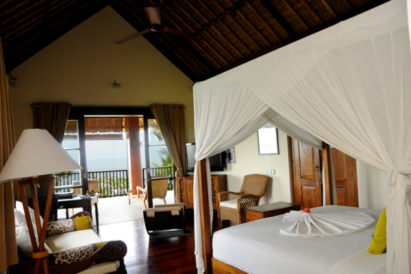Bedroom with Sofa and View - Villa Waringin - Pererenan, Bali