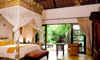 Bedroom with Seating Area - Villa Waru - Nusa Dua, Bali