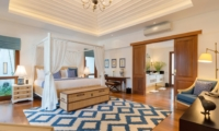 Spacious Bedroom with Seating Area - Villa Windu Asri - Seminyak, Bali