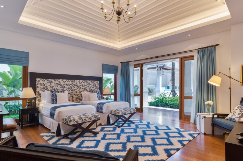 Twin Bedroom with Wooden Floor - Villa Windu Asri - Seminyak, Bali