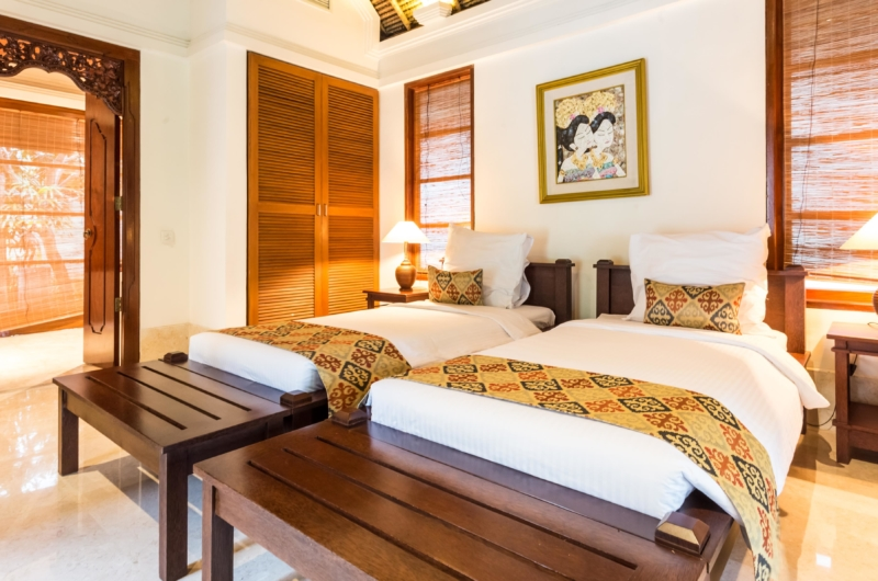 Twin Bedroom with Table Lamps - Villa Yasmine - Jimbaran, Bali