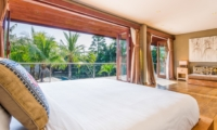 Spacious Bedroom - Villa Yoga - Seminyak, Bali