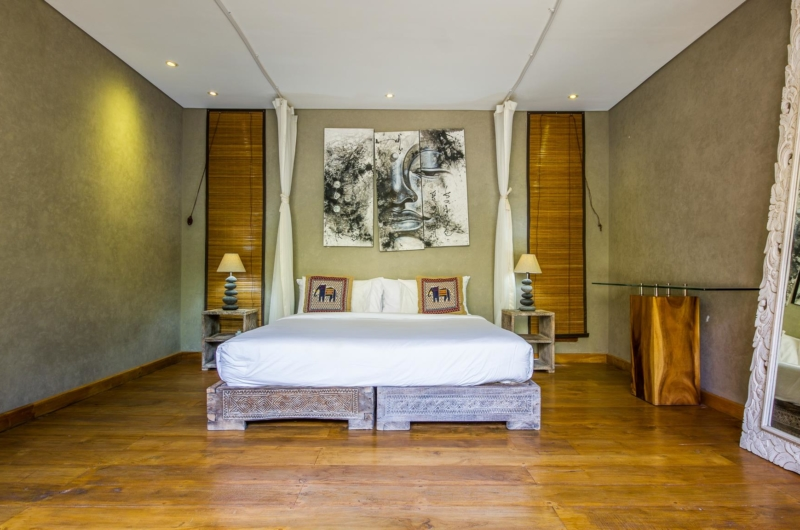 Bedroom with Wooden Floor - Villa Yoga - Seminyak, Bali