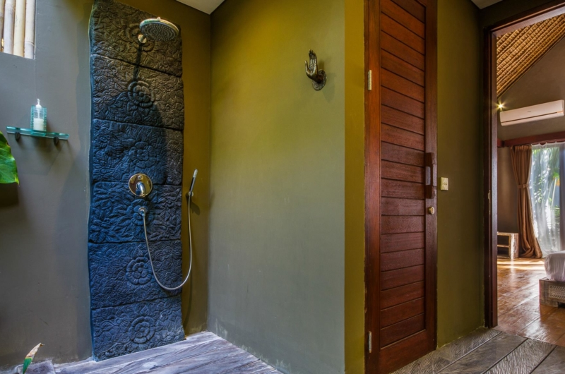 Bathroom with Shower - Villa Yoga - Seminyak, Bali