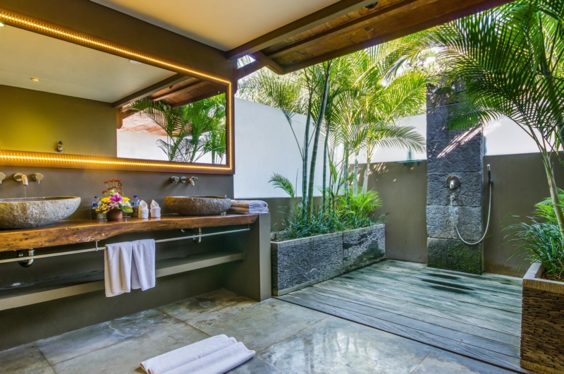 En-Suite His and Hers Bathroom with Shower - Villa Yoga - Seminyak, Bali