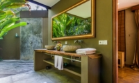 En-Suite His and Hers Bathroom with Mirror - Villa Yoga - Seminyak, Bali