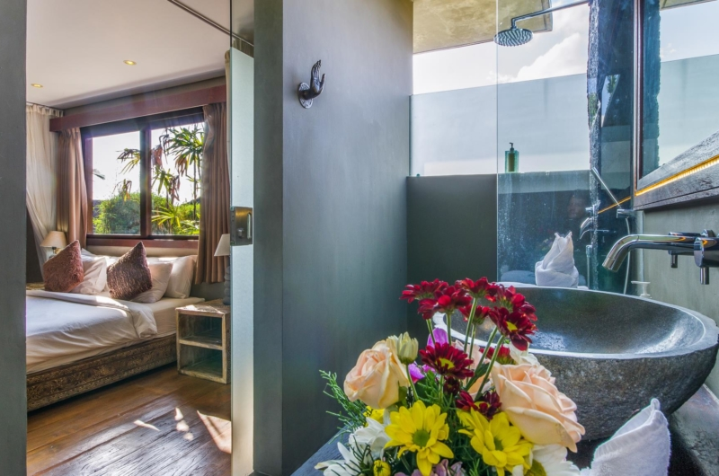 Bedroom and Bathroom View - Villa Yoga - Seminyak, Bali