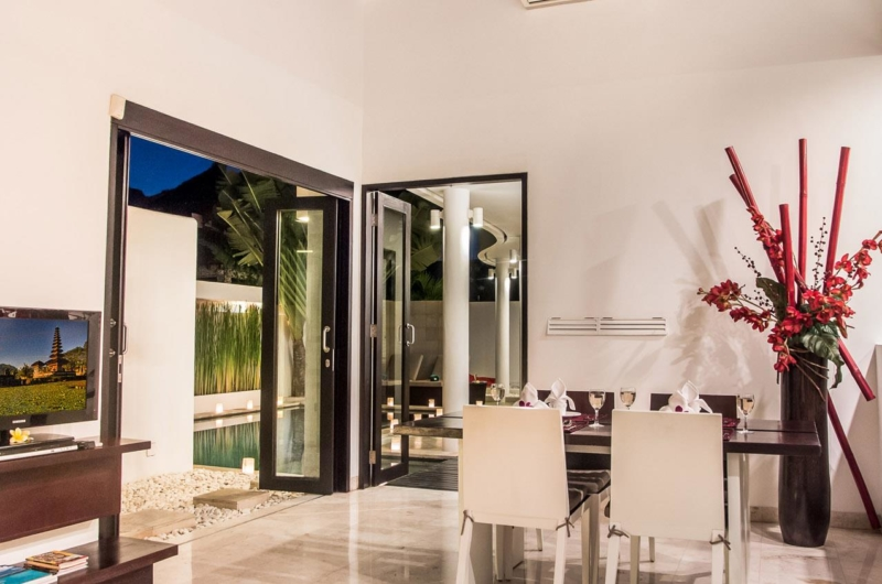 Dining Area with Pool View - Villa Zensa Residence - Seminyak, Bali