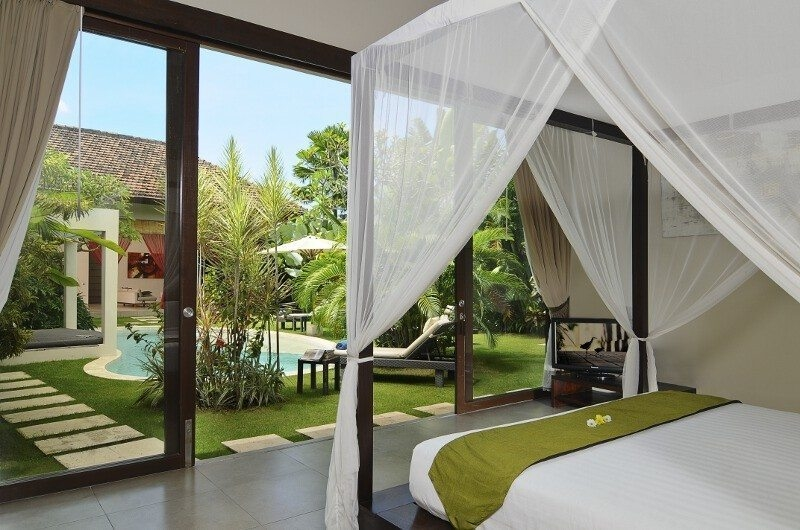 Four Poster Bed with Pool View - Villa Alice Dua - Seminyak, Bali