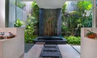 Semi Open Bathtub - Villa Alice Dua - Seminyak, Bali