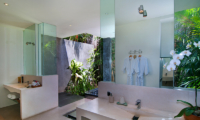 His and Hers Bathroom with Mirrors - Villa Alice Dua - Seminyak, Bali