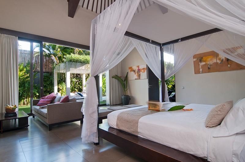 Bedroom with Seating Area - Villa Alice Satu - Seminyak, Bali