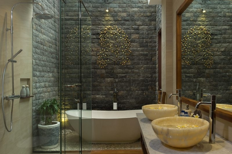 His and Hers Bathroom with Bathtub - Villa Alin - Seminyak, Bali