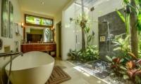 Bathroom with Bathtub - Villa Aliya - Seminyak, Bali