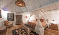 Bedroom with Mosquito Net - Villa Amore Mio - Seminyak, Bali