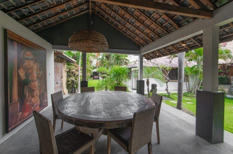 Outdoor Dining Area - Villa Amore Mio - Seminyak, Bali