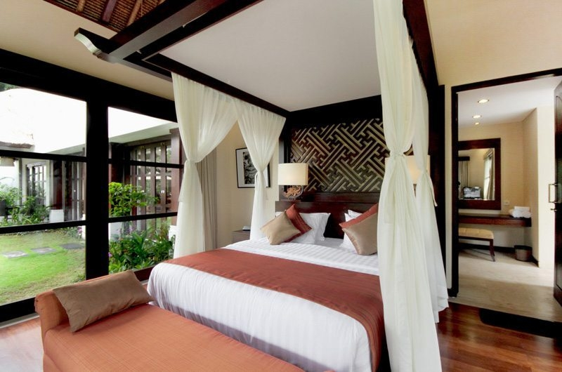 Bedroom with Wooden Floor - Villa Amrita - Ubud, Bali