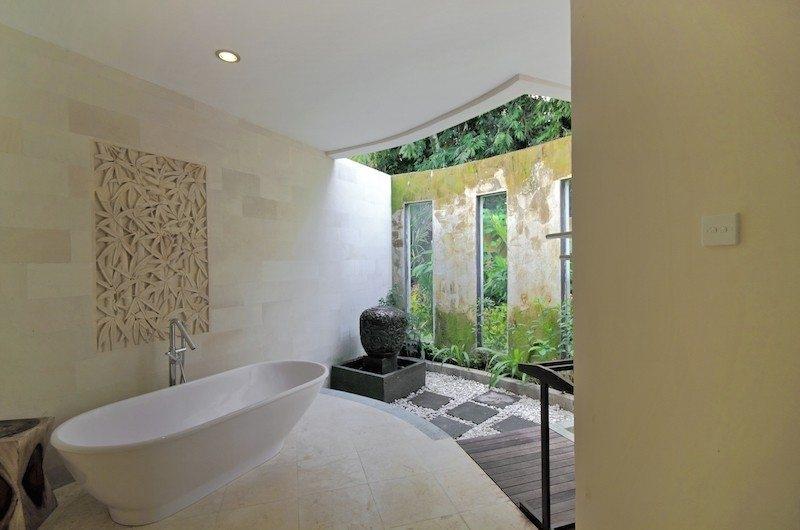 Bathtub - Villa Amrita - Ubud, Bali