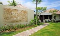 Pathway to Villa - Villa Amrita - Ubud, Bali