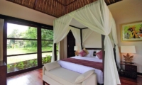 Bedroom with Seating Area - Villa Amrita - Ubud, Bali
