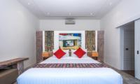 King Size Bed - Villa Angel - Seminyak, Bali