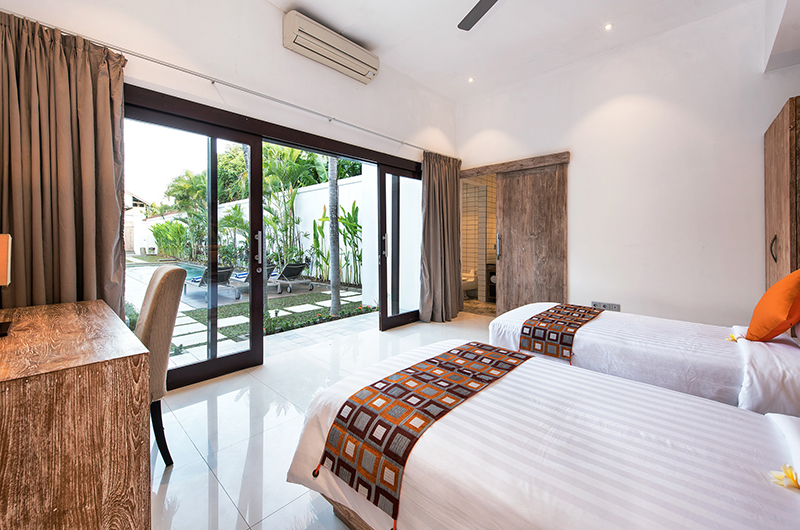 Twin Bedroom with Pool View - Villa Angel - Seminyak, Bali