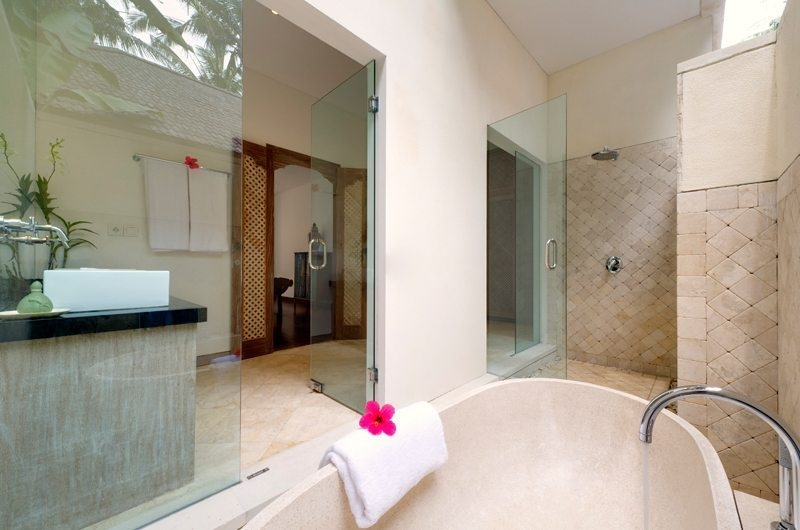 Semi Open Bathtub - Villa Angsoka - Candidasa, Bali