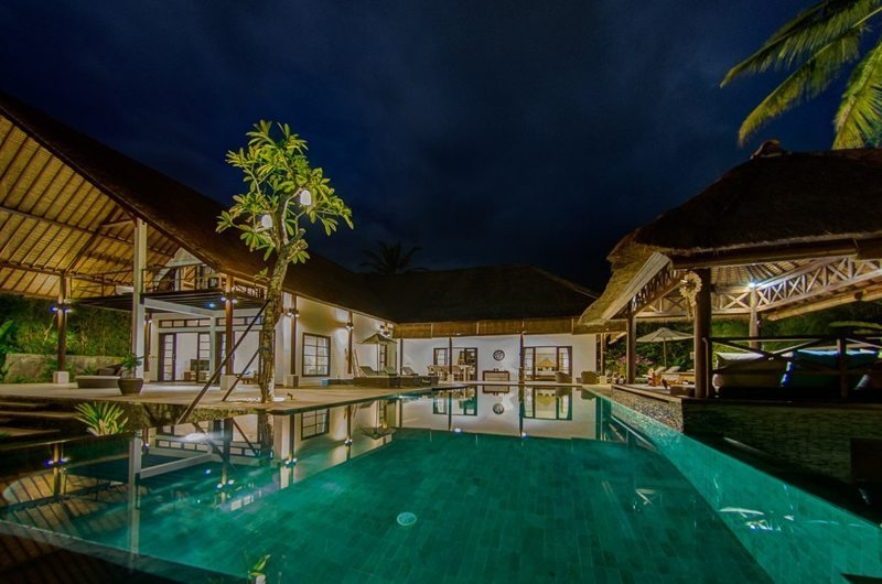 Swimming Pool - Villa Aparna - Lovina, Bali