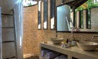 His and Hers Bathroom - Villa Aparna - Lovina, Bali