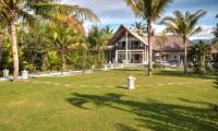 Tropical Garden - Villa Aparna - Lovina, Bali