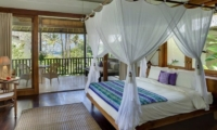 Bedroom and Balcony - Villa Arika - Canggu, Bali
