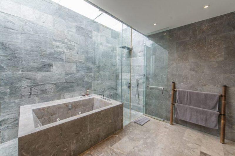 Semi Open Bathtub - Villa Ashoka - Canggu, Bali