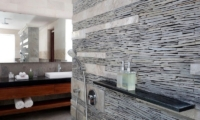 Bathroom with Shower - Villa Ava - Uluwatu, Bali