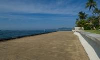 Beachfront - Villa Bakung - Candidasa, Bali