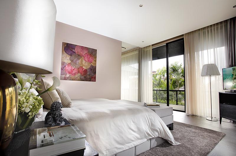 Bedroom and Balcony - Villa Balimu - Seminyak, Bali