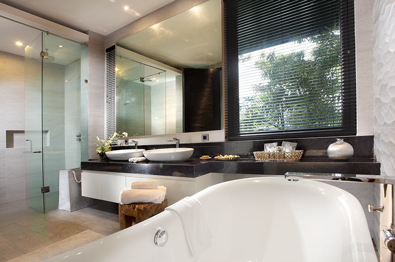 His and Hers Bathroom with Mirror - Villa Balimu - Seminyak, Bali