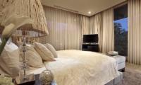 Bedroom with TV - Villa Balimu - Seminyak, Bali