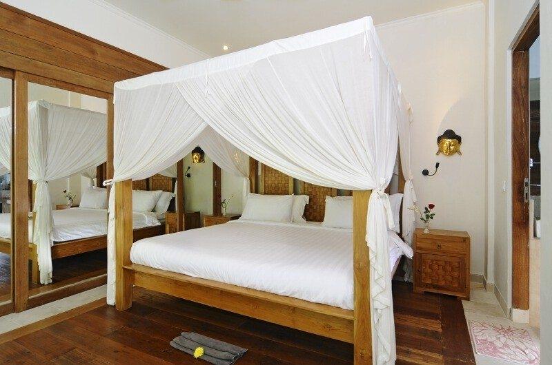 Four Poster Bed - Villa Beji Seminyak - Seminyak, Bali