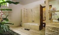 Bathroom with Bathtub - Villa Beji Seminyak - Seminyak, Bali