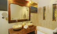 Bathroom with Mirror - Villa Beji Seminyak - Seminyak, Bali