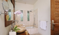 His and Hers Bathroom with Bathtub - Villa Beji Seminyak - Seminyak, Bali