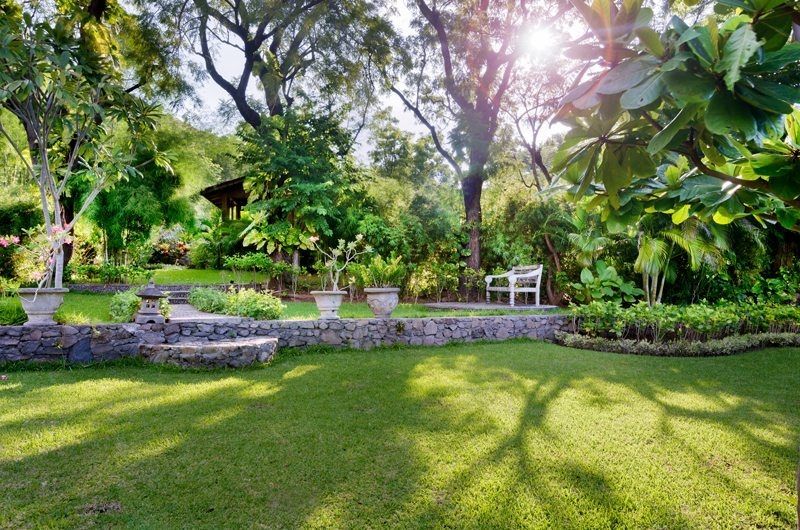 Lawns - Villa Beten Bukit - North Bali, Bali